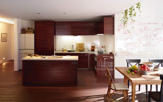 インテリアに調和するキッチン